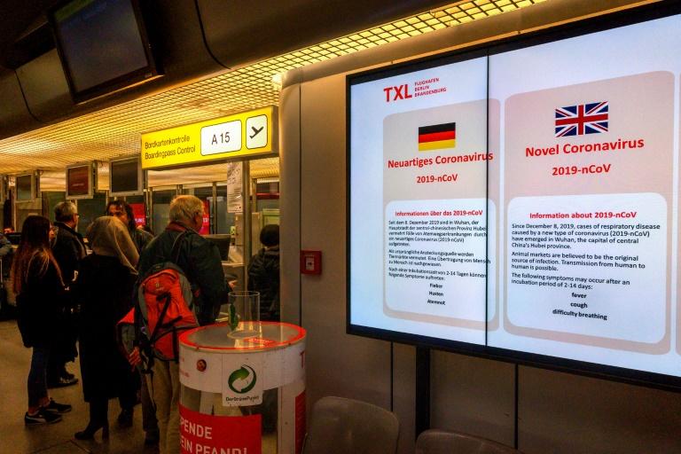 Bericht: Flugpassagiere aus Nicht-EU-Staaten sollen zwei Wochen in Quarantäne (© 2020 AFP)