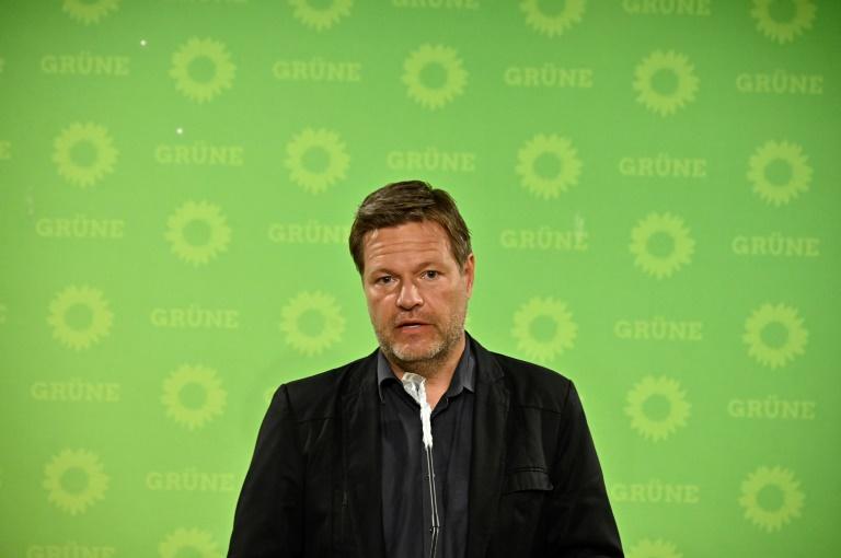 """Habeck sieht Merkels Autorität in Krise """"auf fast tragische Weise zerstört"""""""