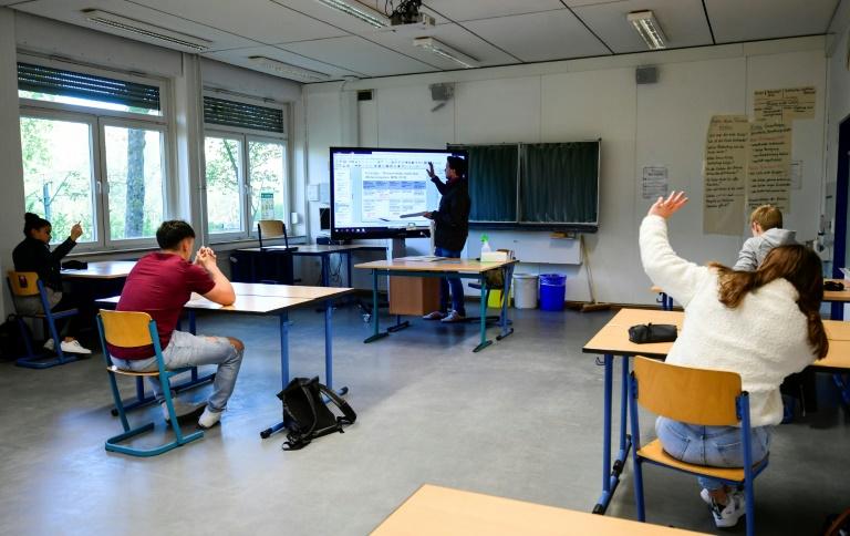 Lehrer nutzen für die Schule oft eigene Geräte