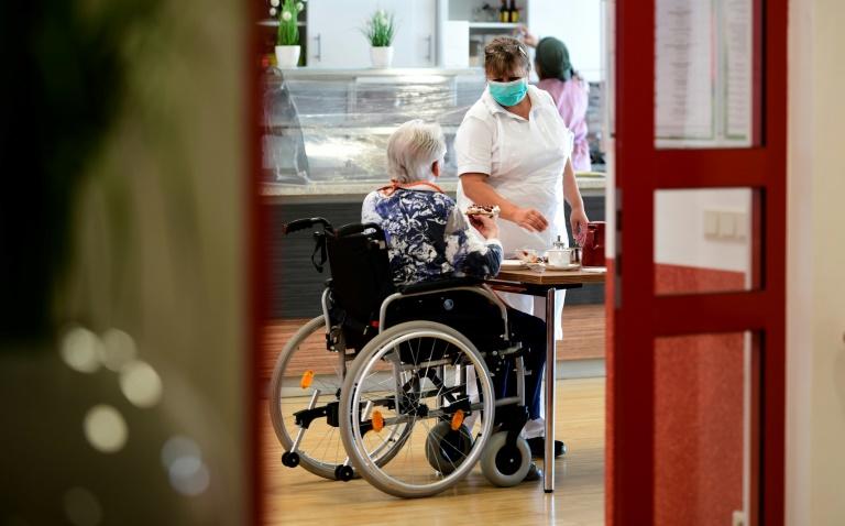 Patientenschützer fordert Corona-Reihentests in Pflegeheimen