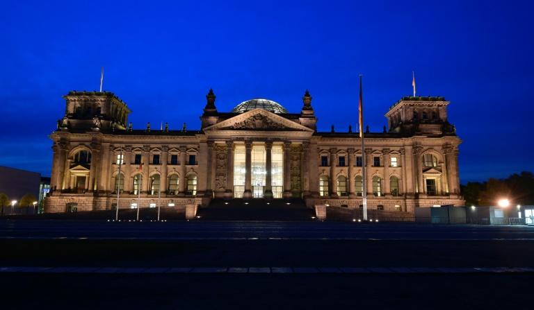 Dobrindt attackiert Oppermann in Streit um Wahlrechts-Reform