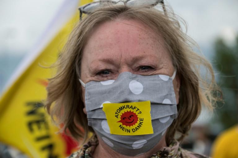 81 Prozent der Deutschen wechseln oder waschen ihre Maske mindestens wöchentlich (© 2020 AFP)