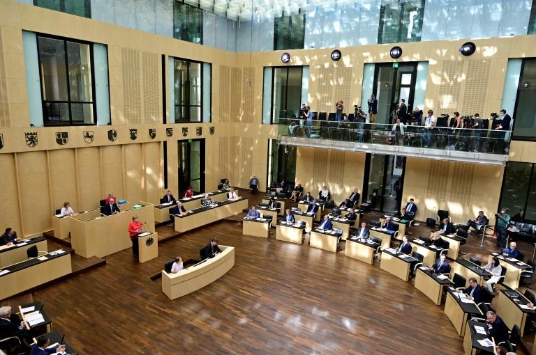 Bundesrat stoppt Adoptionshilfegesetz (© 2020 AFP)