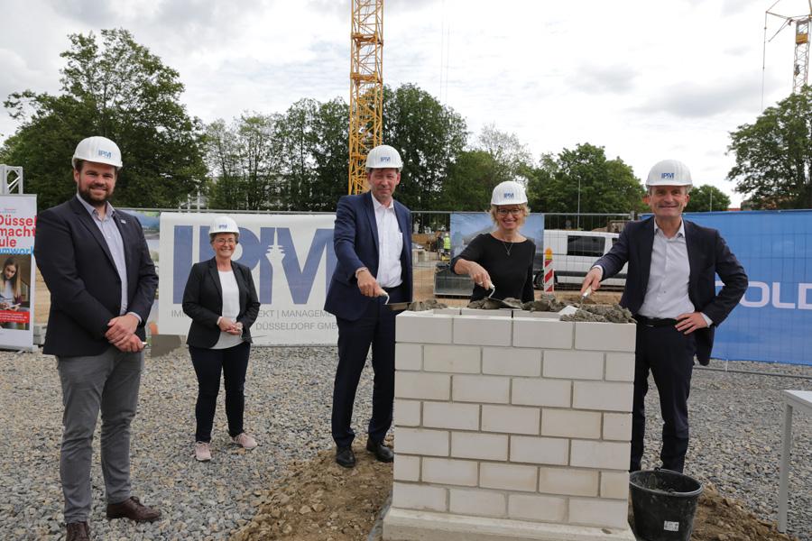 Neue Dreifachsporthalle in Niederkassel entsteht
