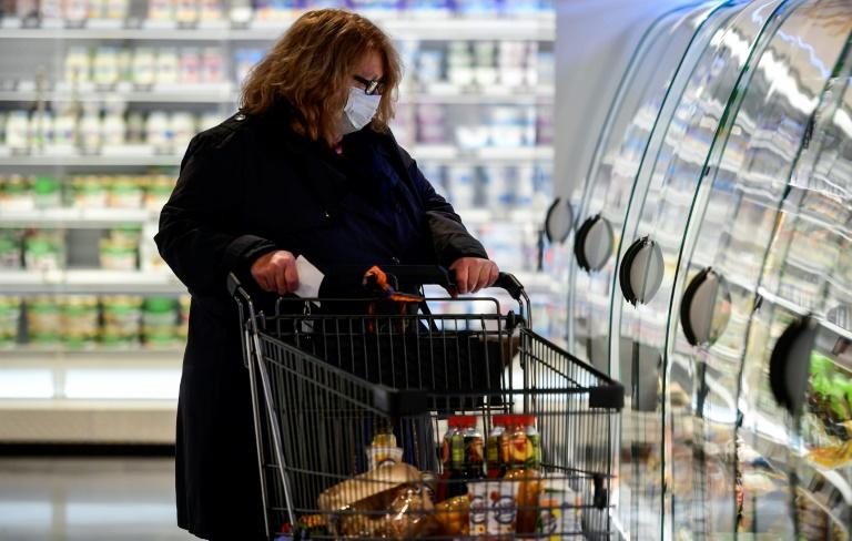 Debatte über Bedingungen für Lockerung der Maskenpflicht