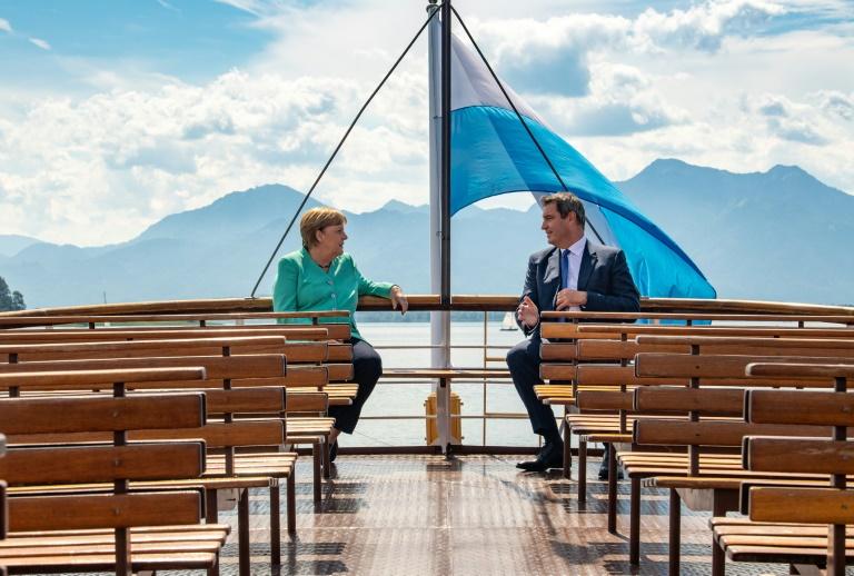 Kanzlerin Merkel besucht bayerisches Kabinett