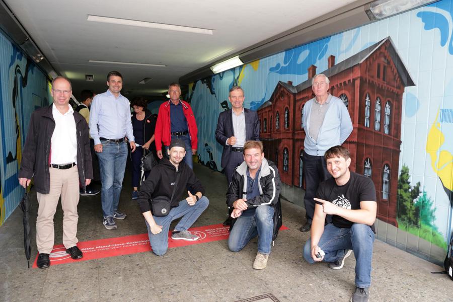 Bahnhof Eller-Süd: Graffiti-Künstler verschönern Unterführung (Foto: Stadt Düsseldorf/Ingo Lammert)