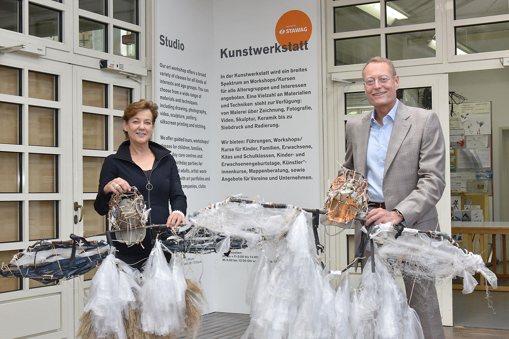 Kulturdezernentin Susanne Schwier und STAWAG-Vorstand Dr. Christian Becker (Foto: Stadt Aachen)