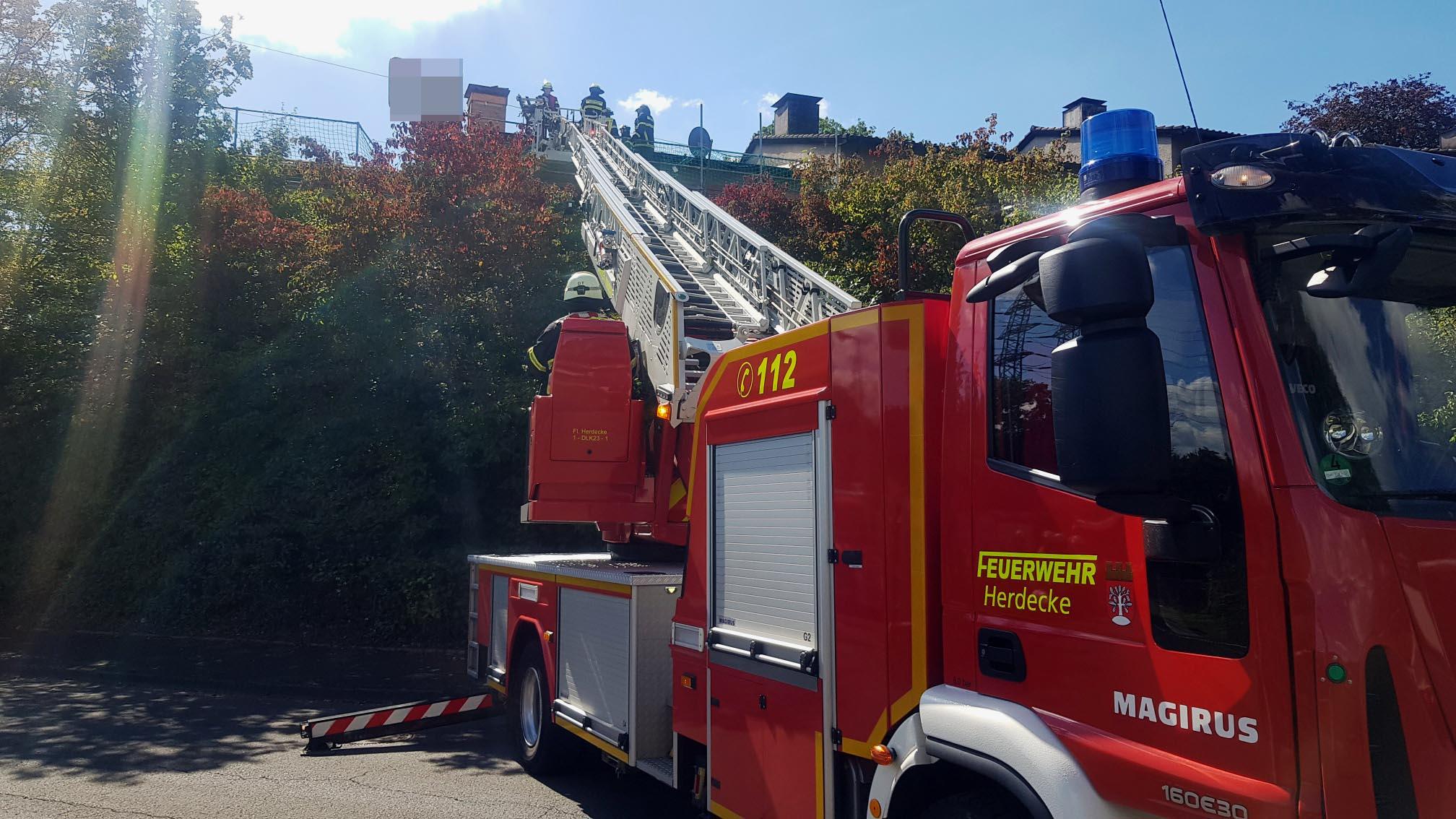 Personenrettung aus Dachstuhl (Foto: Feuerwehr Herdecke)