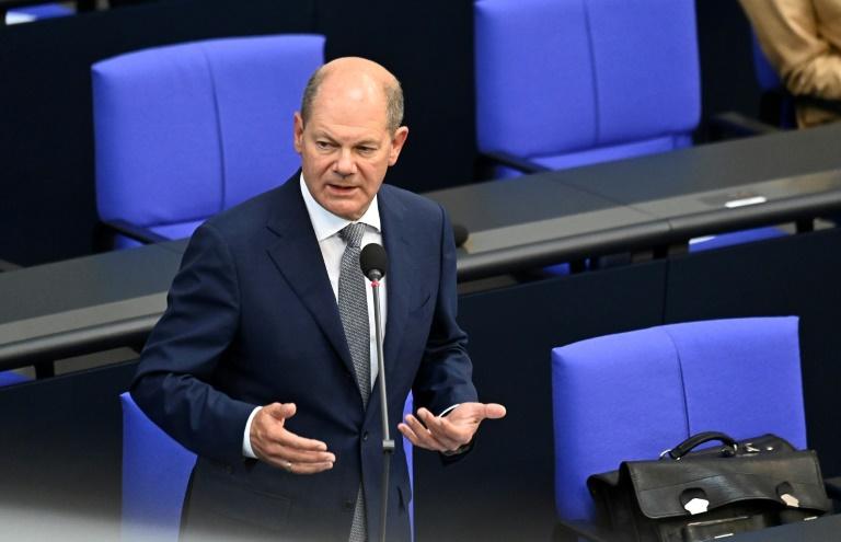 Scholz weist Vorwurf der Einflussnahme im Fall Warburg zurück (© 2020 AFP)