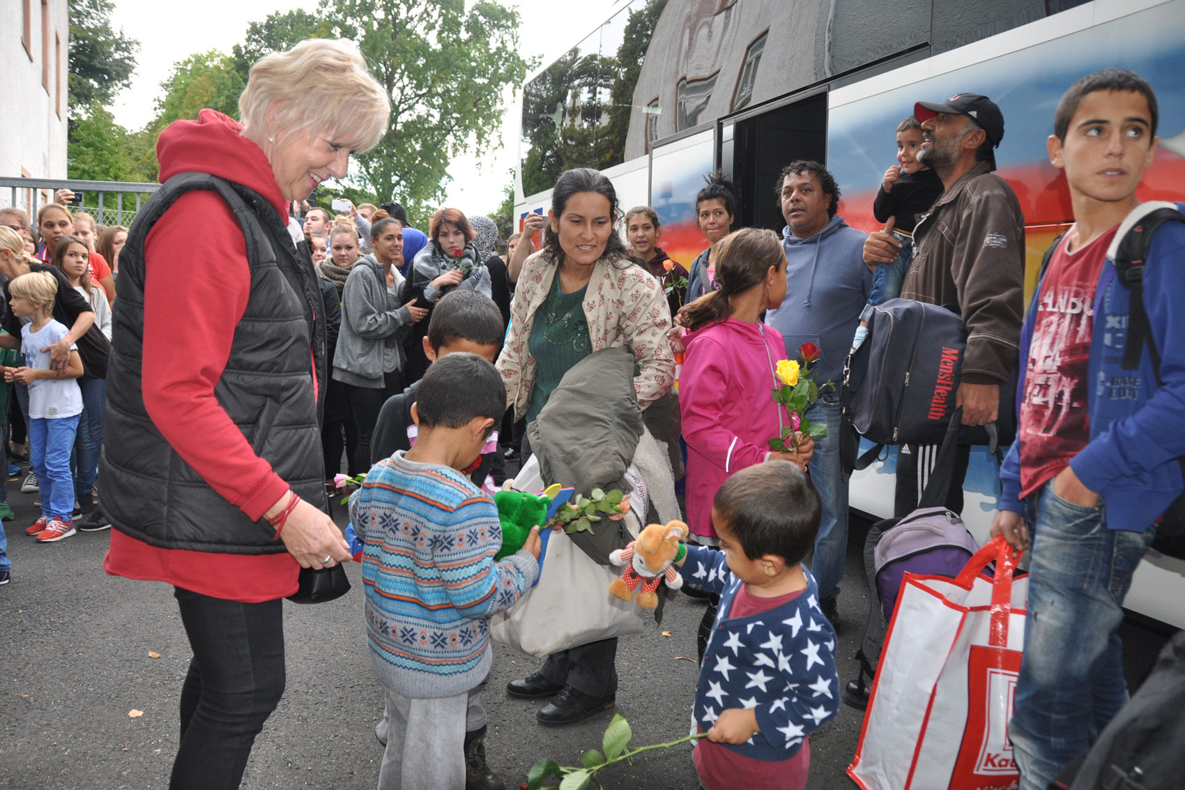 Ankunft der ersten Flüchtlinge am 13. September 2015 in der damaligen Polizeiakademie auf dem Reinhardshof. (Foto: Stadt Wertheim)