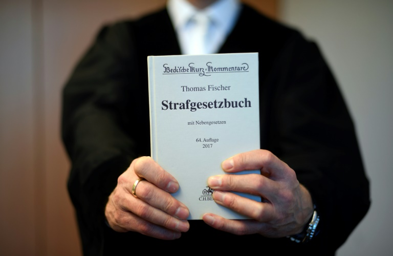 Hohe Haftstrafen in Prozess um Missbrauchskomplex Bergisch Gladbach (© 2020 AFP)