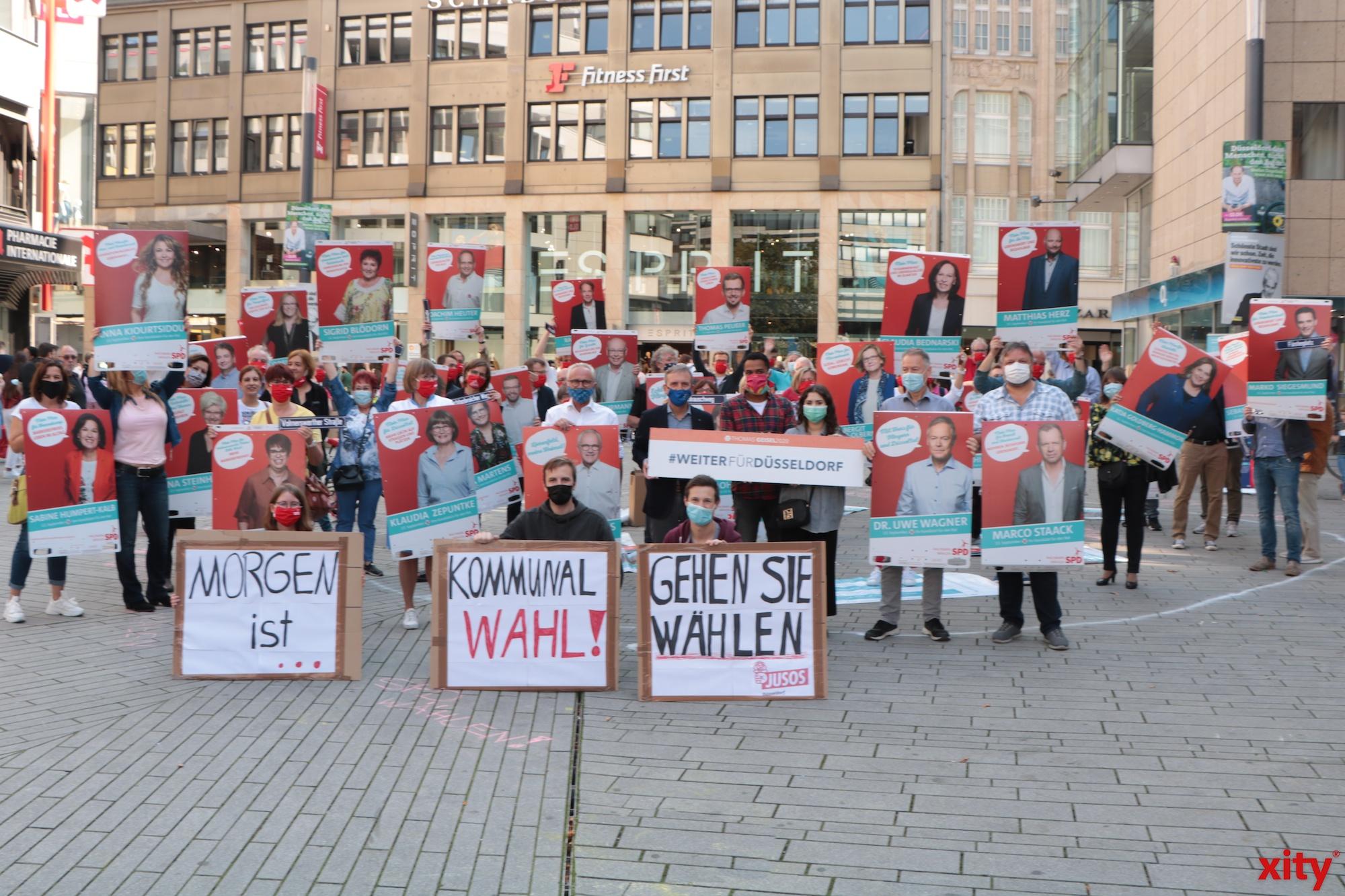 Die Düsseldorfer SPD feierte auf dem Schadowplatz das Ende des Wahlkampfes (Foto: xity)