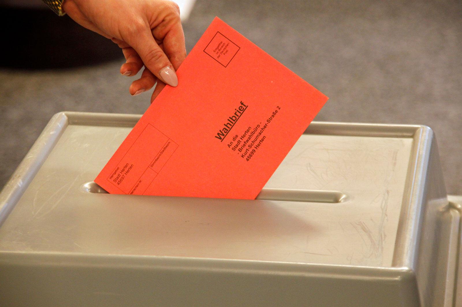 Wahlberechtigte können im Briefwahlbüro ihre Stimme bereits vorab per Briefwahl abgeben. (Foto: Stadt Herten)