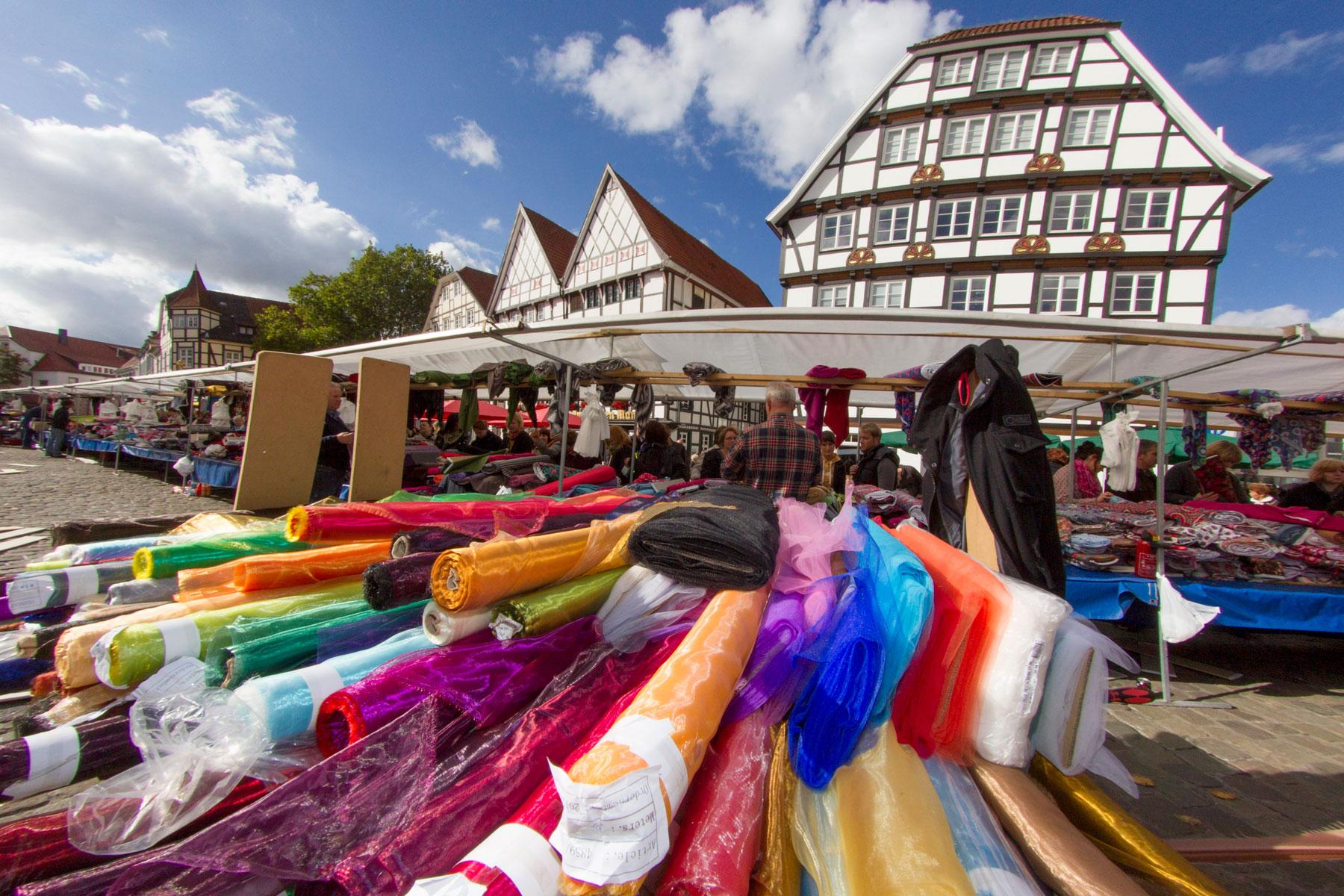 Deutsch-holländischer Stoffmarkt in Soest (Foto: Stadt Soest)