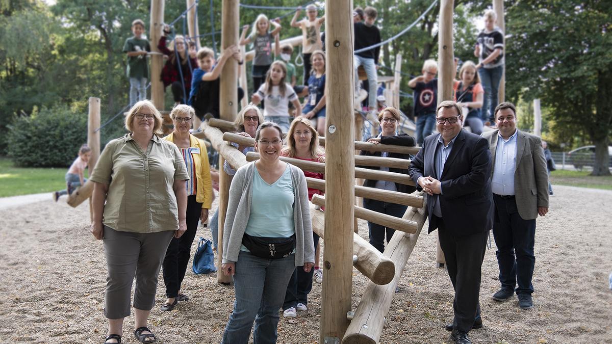 Spielplatz Fungendonk begeistert mit größerer Fläche und neuen Geräten(Foto: Stadt Krefeld, Presse und Kommunikation)