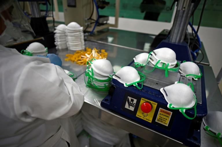 Verdächtige hinter Millionenbetrug mit Schutzmasken für deutsche Behörden gefasst (© 2020 AFP)