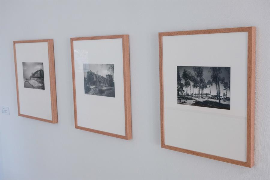 """""""Flusslandschaften"""" im Kunstarchiv Kaiserswerth (Foto: Stadt Düsseldorf/Michael Gstettenbauer)"""