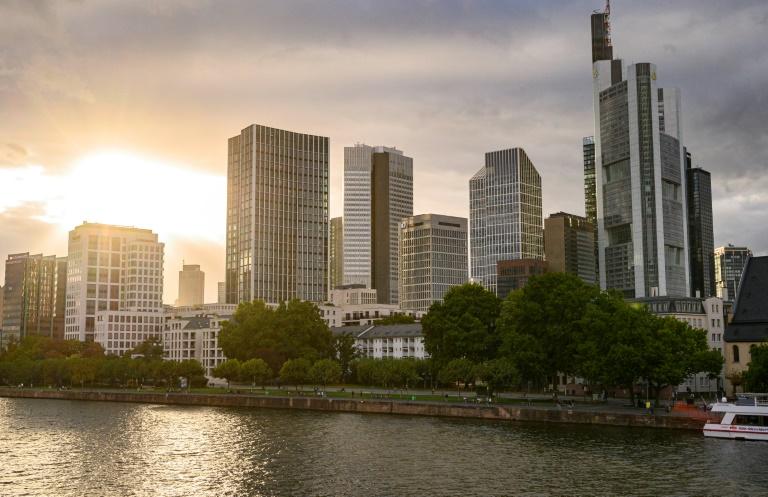 Frankfurt verhängt wegen steigender Corona-Zahlen Sperrstunde (© 2020 AFP)