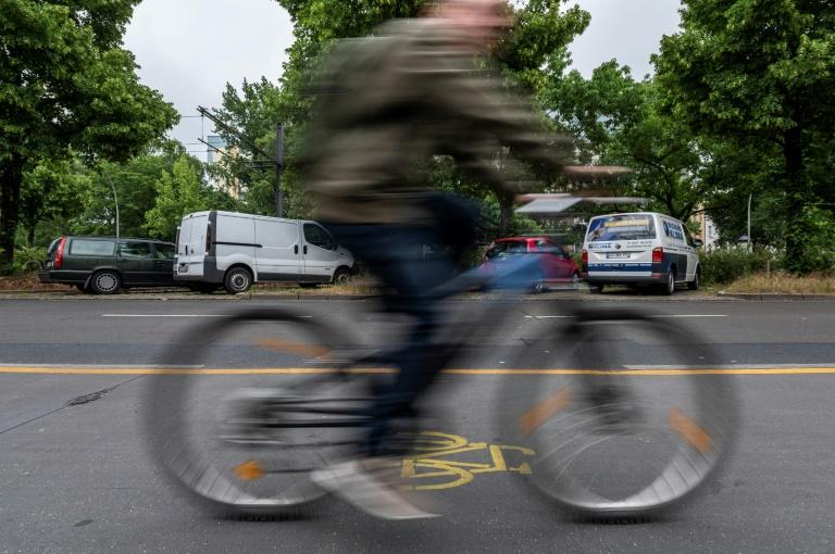 Temporäre Radwege in Berlin dürfen vorerst bleiben (© 2020 AFP)