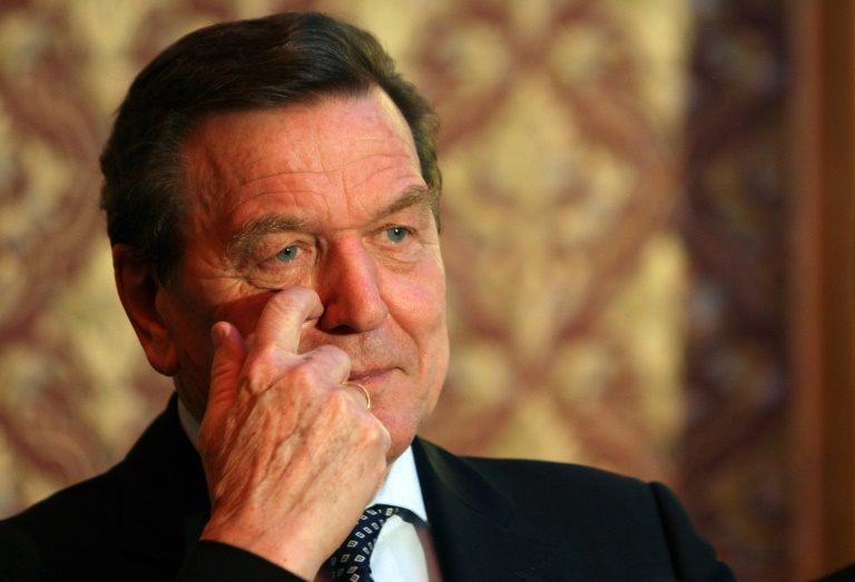 Schröder nach Giftanschlag auf Nawalny für Tätigkeiten in Russland unter Beschuss (© 2020 AFP)