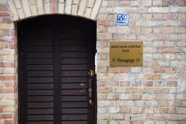Glockenläuten zum Gedenken an den Anschlag auf die Synagoge in Halle (© 2020 AFP)