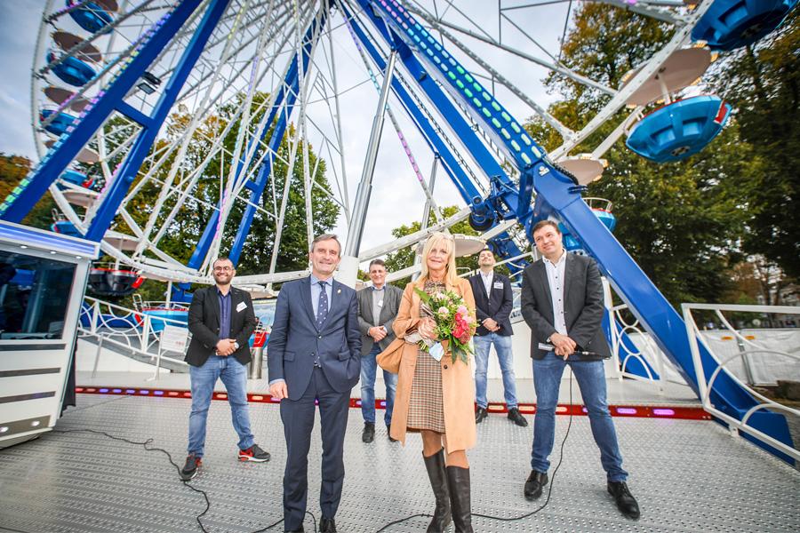 Schaustellerverband verleiht Freundschaftsnadel an OB Geisel (Foto: Stadt)