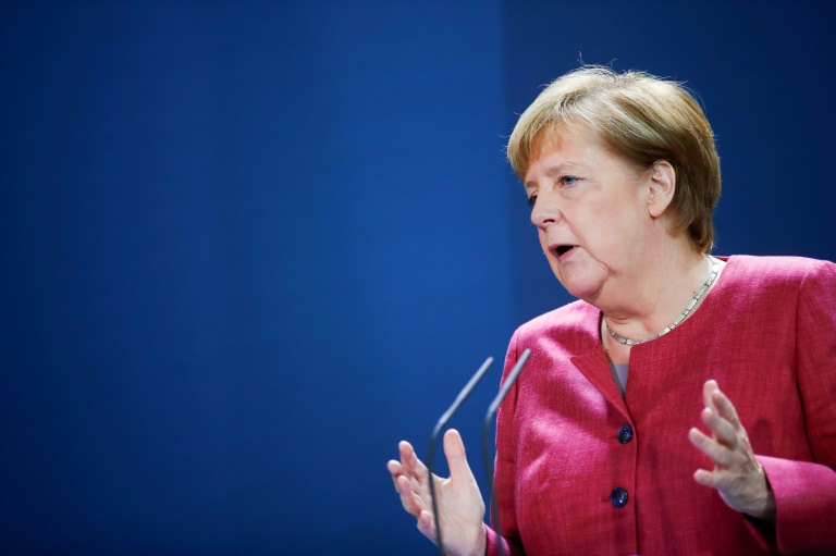 Merkel mahnt Respekt für Corona-Schutzregeln an (© 2020 AFP)