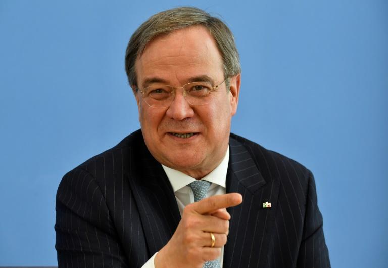 """Laschet wirbt vor Corona-Gesprächen mit Merkel für """"einheitliche Regeln"""" (© 2020 AFP)"""