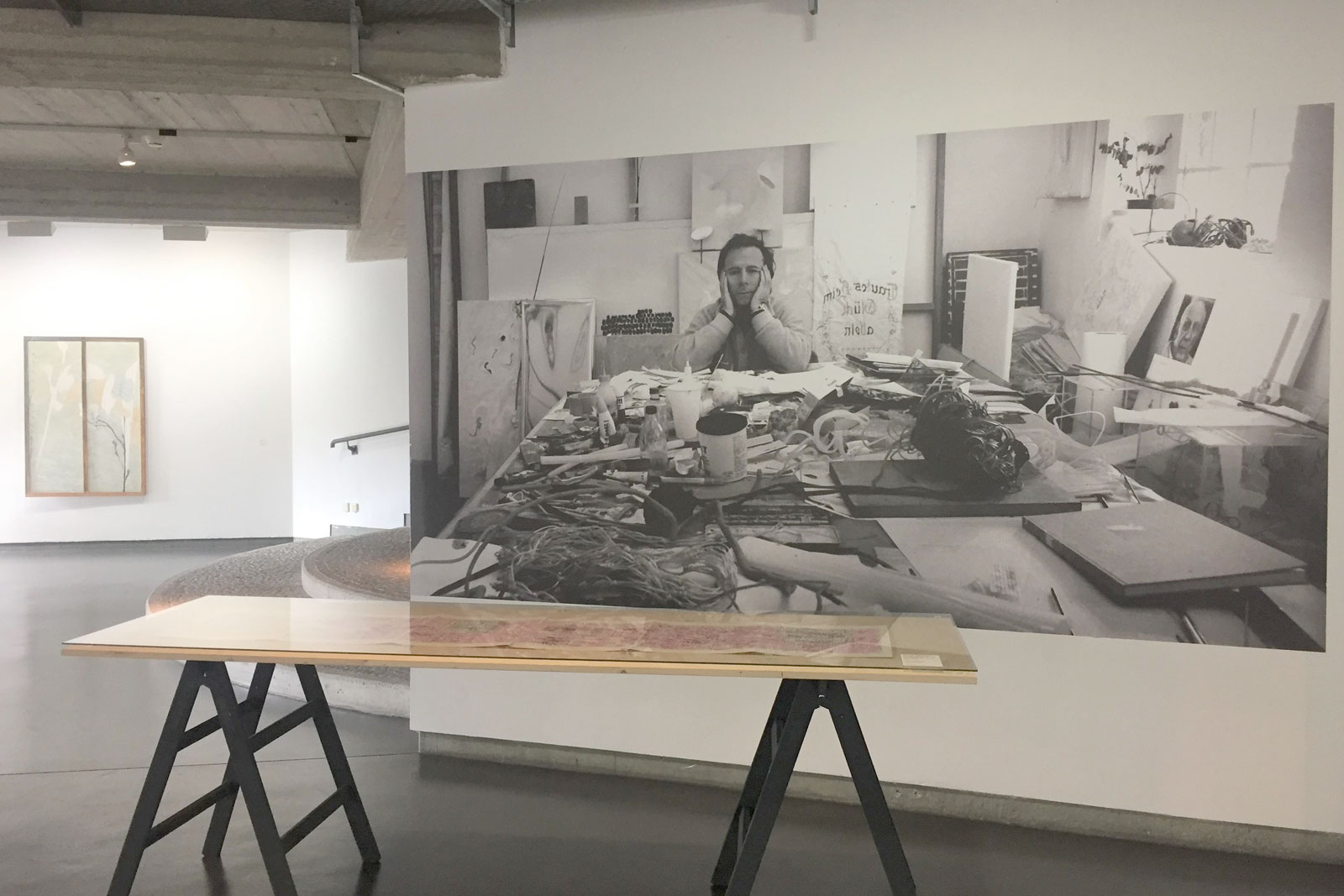 Gerhard Hoehme im Atelier (Foto: Robert Häusser)