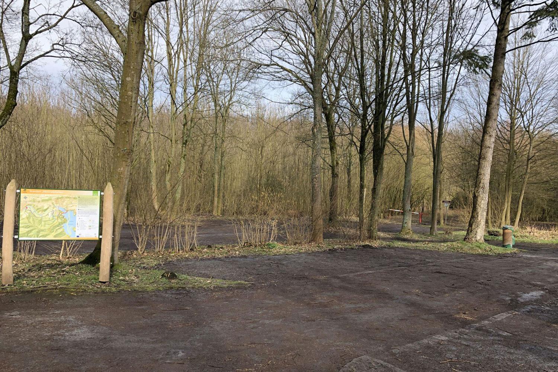 Ab Montag, 19. Oktober 2020, ist der Parkplatz Himmelpforten in Niederense voraussichtlich drei Wochen lang wegen Bauarbeiten gesperrt. (Archivbild: Naturpark Arnsberger Wald)