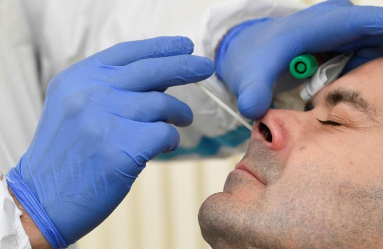 Deutsche haben wieder zunehmend Angst vor Ansteckung mit dem Coronavirus (© 2020 AFP)