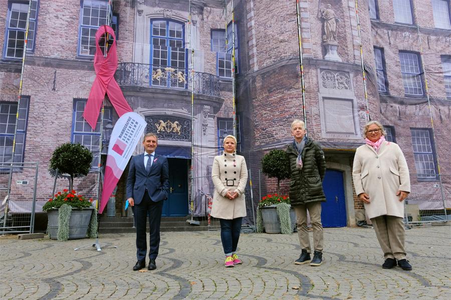 OB Thomas Geisel, Dr. Henrike Schwarz, Dr. Dietmar F. Seitz und Nadin Willfahrt (Foto: Stadt)