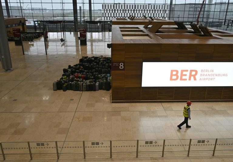 Klimaaktivisten planen Proteste zu Eröffnung des Hauptstadtflughafens BER (© 2020 AFP)
