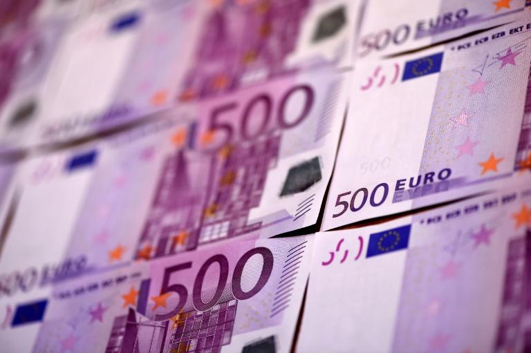 Regierung beziffert Finanzrahmen für Corona-Krise auf fast 1,5 Billionen Euro (© 2020 AFP)