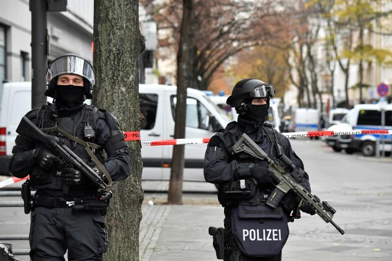 Zwei weitere Verdächtige nach Dresdner Juwelendiebstahl gesucht (© 2020 AFP)