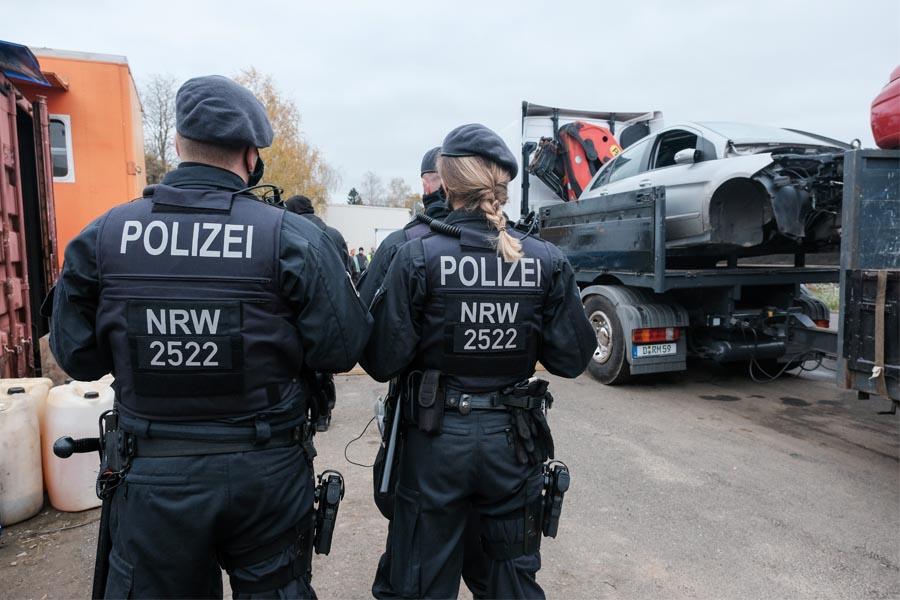 Die Polizei unterstützte im Rahmen dieses Einsatzes ein Vollzugshilfeersuchen der Stadt (Foto: Stadt Düsseldorf, Michael Gstettenbauer)