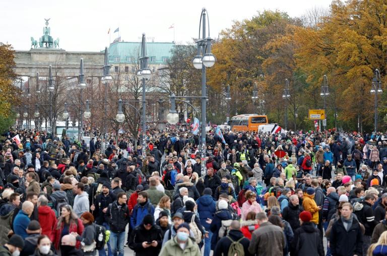 Polizei löst Berliner Corona-Demonstration auf (© 2020 AFP)