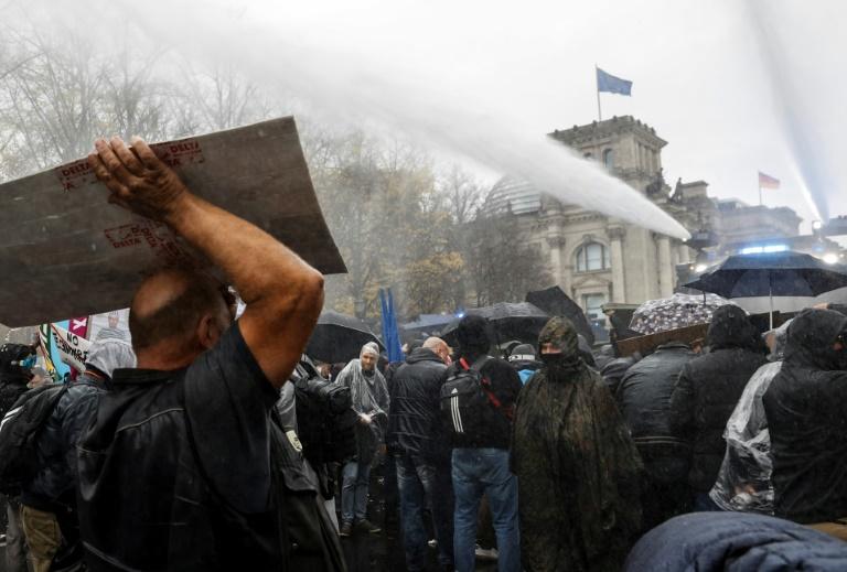 Nach Ausschreitungen bei Corona-Protesten Warnung vor neuen Eskalationen (© 2020 AFP)