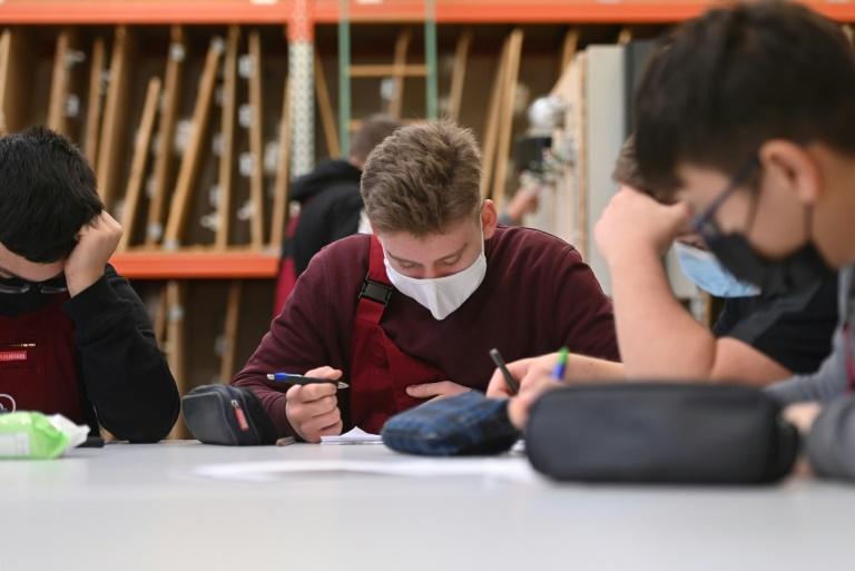Bildungsgewerkschaft GEW fordert kostenlose Masken für Lehrer und Schüler (© 2020 AFP)