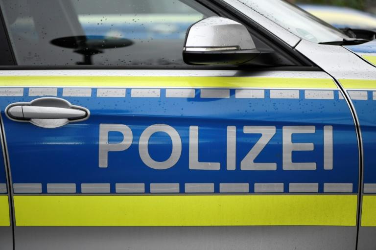 Einkaufswagen von Berliner Hochhaus geworfen - Jugendliche unter Verdacht (© 2020 AFP)