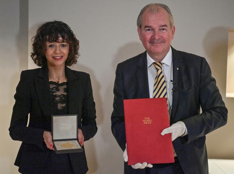 Erfinderin von Gen-Schere in Berlin mit Chemie-Nobelpreis geehrt (© 2020 AFP)