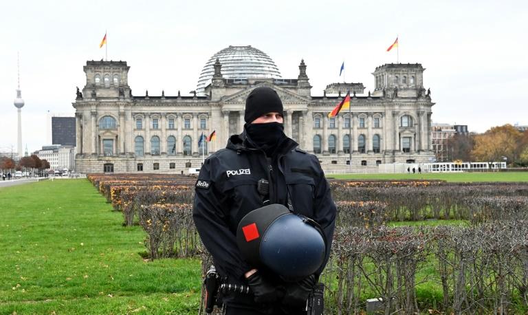 Schäuble verurteilt Unruhen in USA und prüft Folgen für Bundestag (© 2021 AFP)