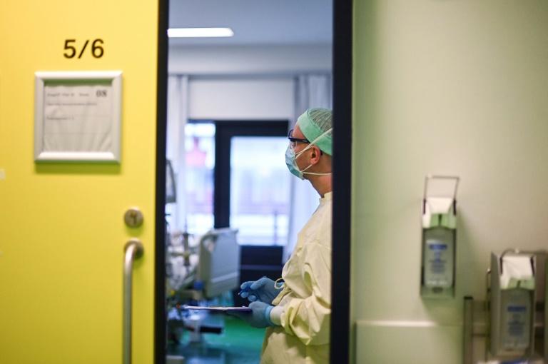 Knapp 12.500 Corona-Neuinfektionen in Deutschland verzeichnet (© 2021 AFP)