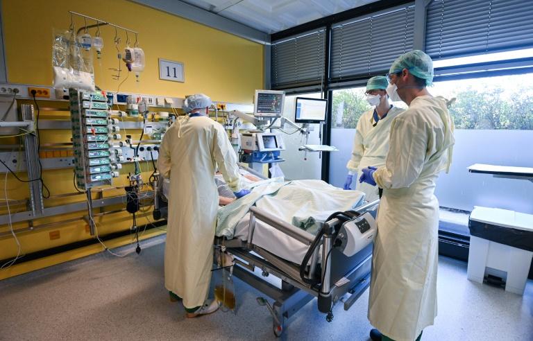 Fachärzte: Höhepunkt bei Corona-Intensivpatienten dürfte überschritten sein (© 2021 AFP)
