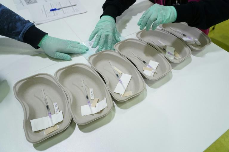 NRW setzt wegen Vakzin-Engpass Erstimpfungen in Kliniken und Heimen aus (© 2021 AFP)