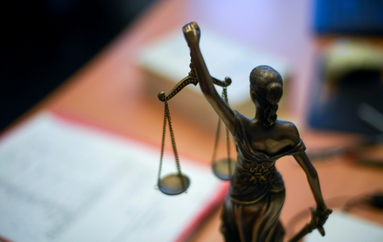 35-jähriger Stalker wegen Mordes an junger Frau zu lebenslanger Haft verurteilt (© 2021 AFP)