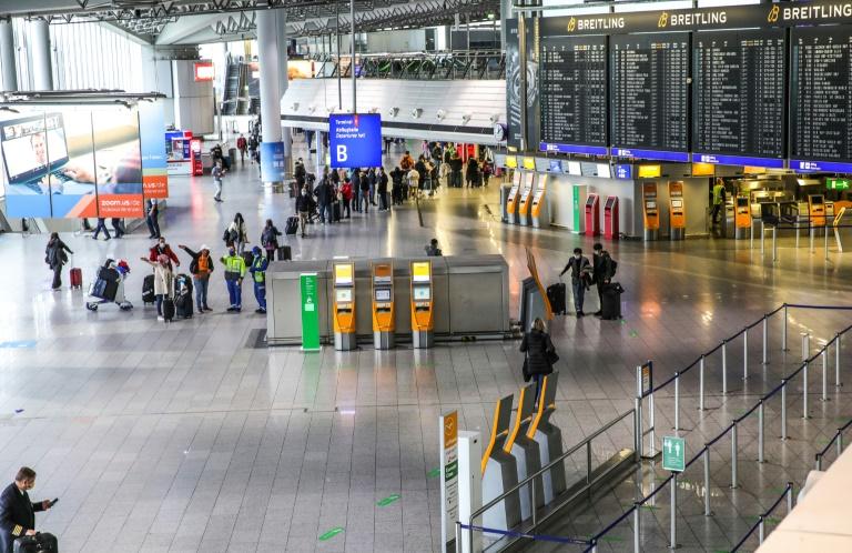 Flugverkehr am Frankfurter Airport wegen Drohne zeitweise unterbrochen (© 2021 AFP)