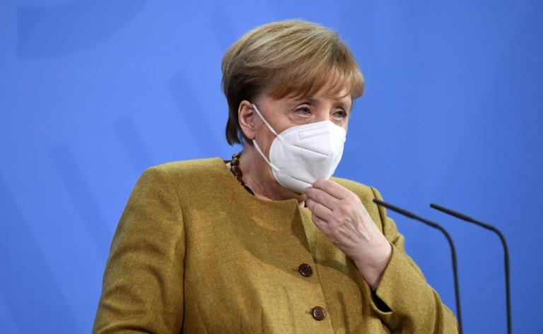Merkel fasst Lockdown-Lockerungen in Etappen ins Auge (© 2021 AFP)