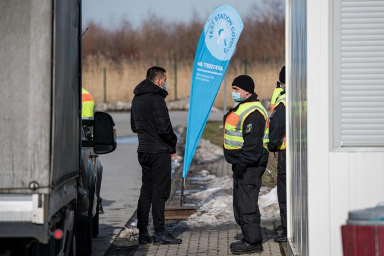 Kontrollen an Grenzen zu Tschechien und Tirol werden bis 3. März verlängert (© 2021 AFP)